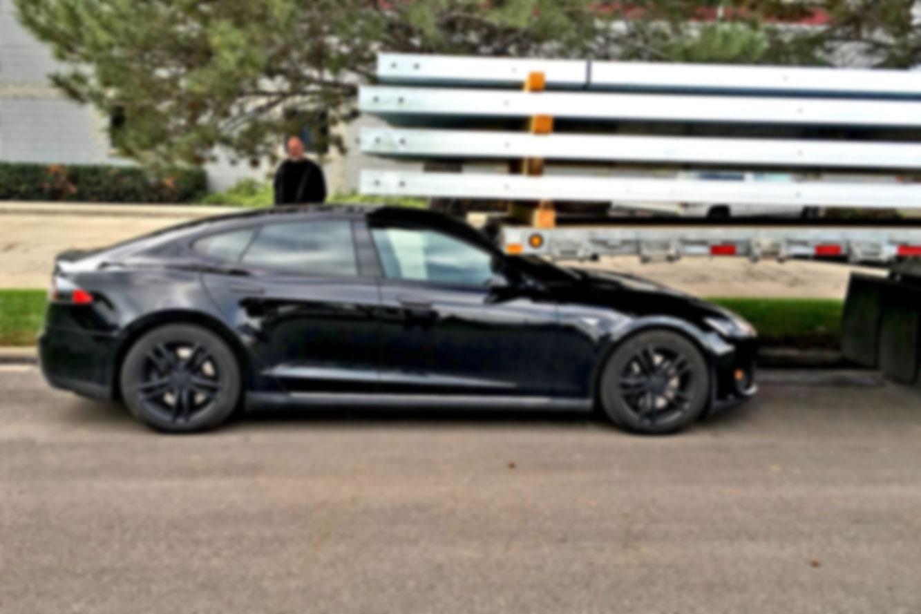 Tesla: Van zelfsturende auto's naar zelfsturende bedrijven?